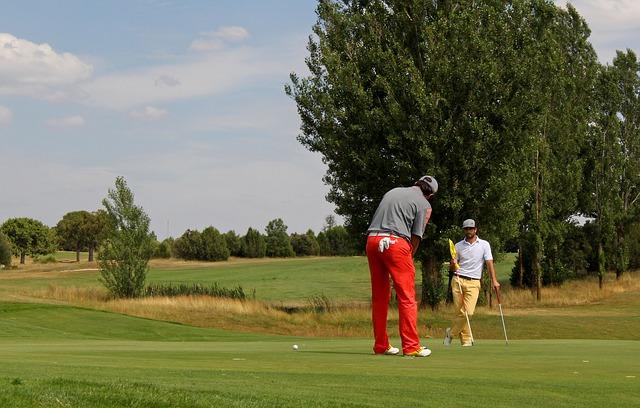 ゴルフインストラクター給料